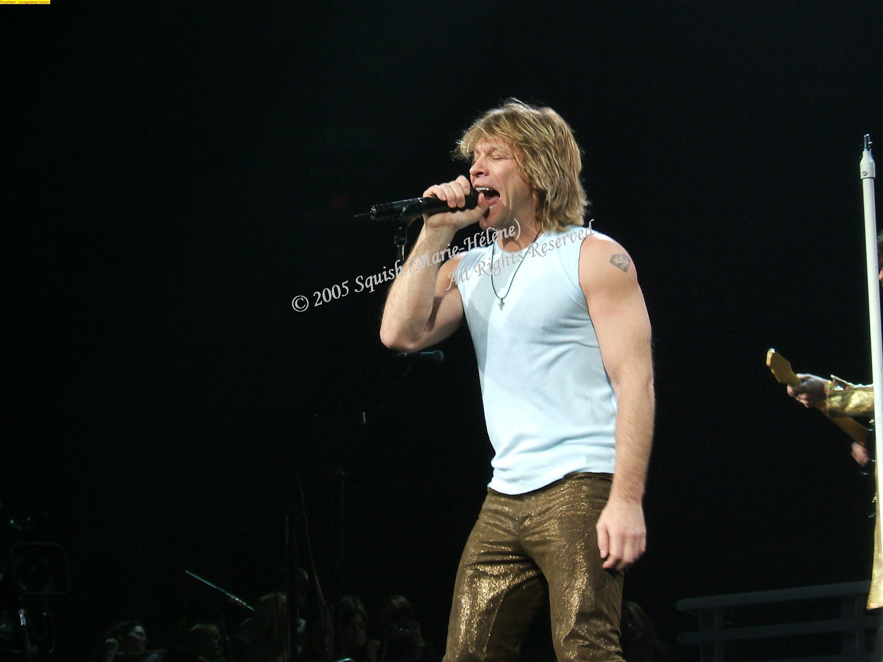 Bon Jovi - Bell Centre, Quebec, Canada (December 15, 2005)